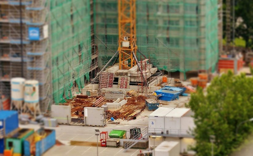 Ściśle z aktualnymi przepisami świeżo wznoszone domy muszą być ekonomiczne.
